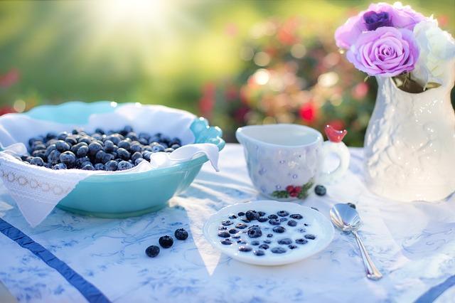 blueberries-1576405_640