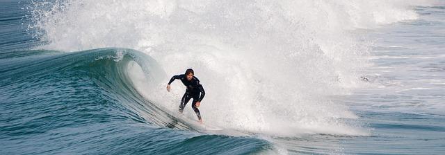 surfer-2165884_640